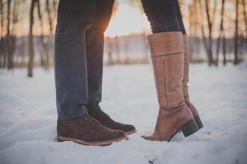 kissing-couple-1209043_1280
